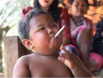 londinoupolis: 2 year old smoker