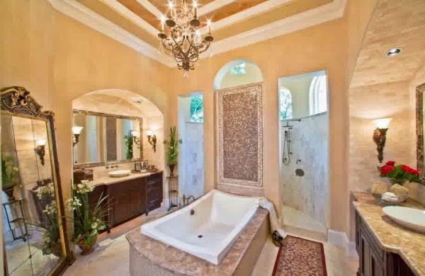 Contoh interior kamar mandi mewah yang elegan dan memberi kenyamanan