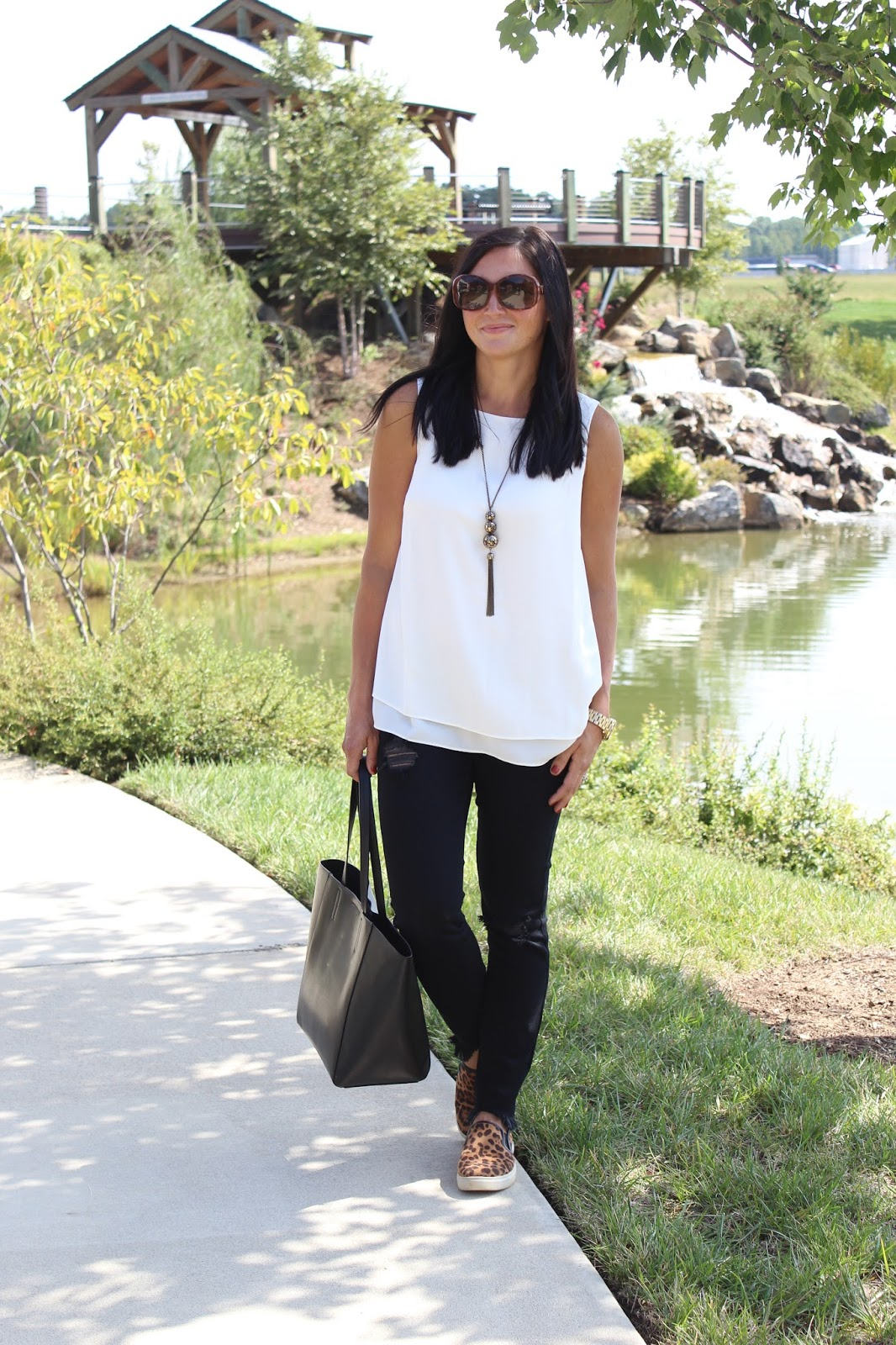Black, white and leopard, easy outfit for fall transition