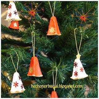Cómo hacer adornos de navidad reciclados