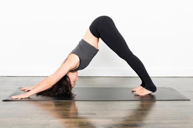 Mỗi ngày một tư thế Yoga | 1-Tư thế trái núi (Urdhva Hastasana)