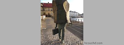 تمثال المسؤول المجهول  في ريكيافيك، أيسلندا