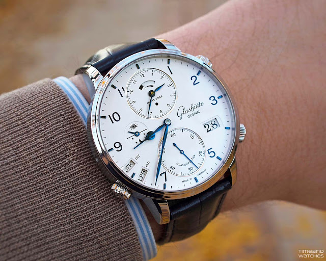 Wristshot of the Glashütte Original Senator Cosmopolite Stainless Steel