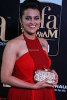 Sraddha in Sleeveless Red Gown at IIFA Utsavam Awards 2017  Day 2  HD Exclusive 07.JPG