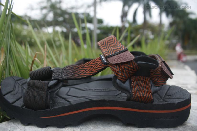 sandal gunung