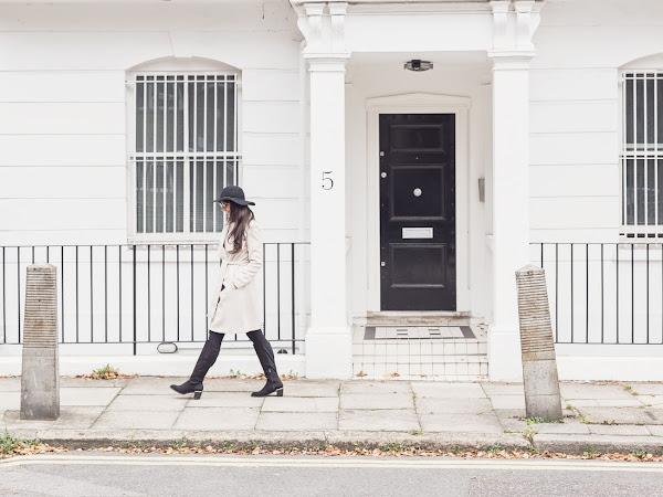 WANDERING IN LONDON