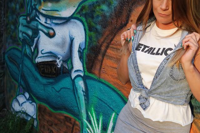 girls Metallica tee