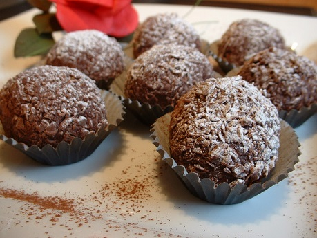 Sweet Day: Delicious Truffles with raisins!