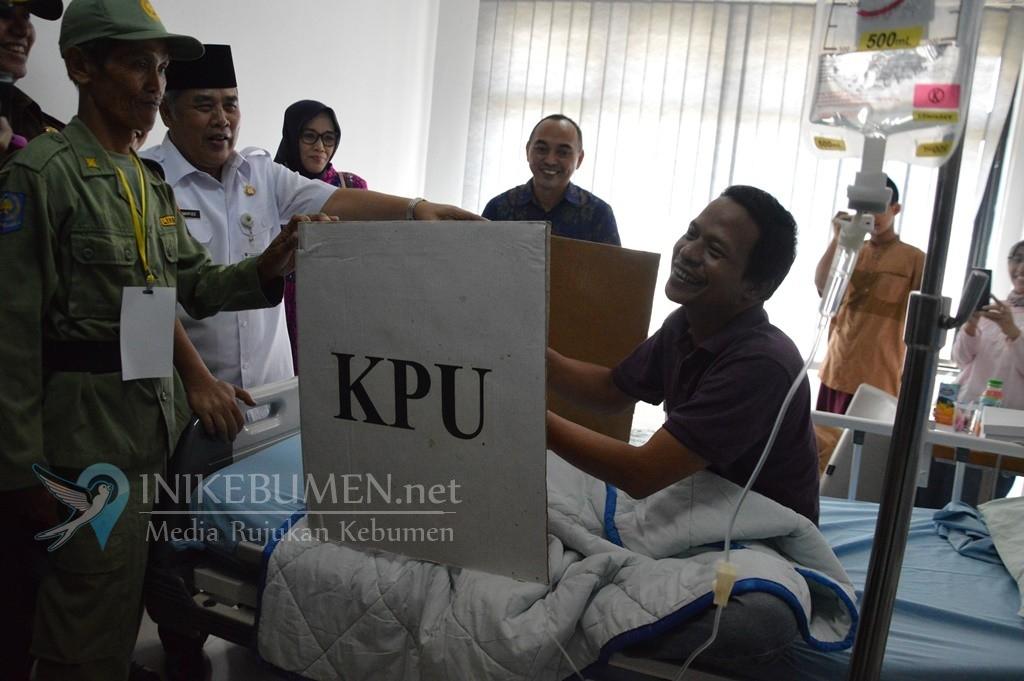 Sakit, Ketua PKB Kebumen Nyoblos di Rumah Sakit