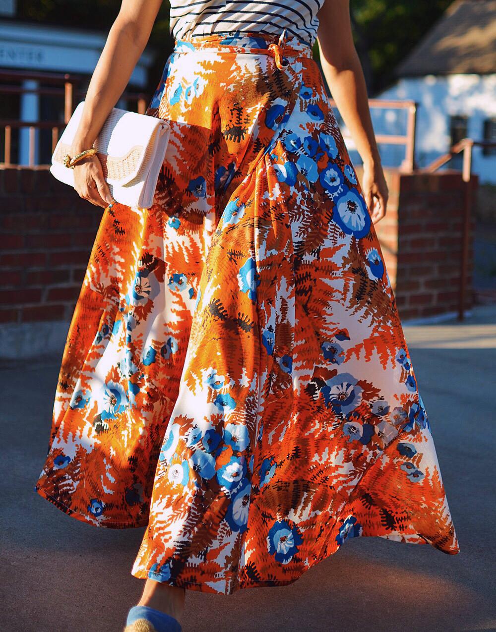 Full skirt street style