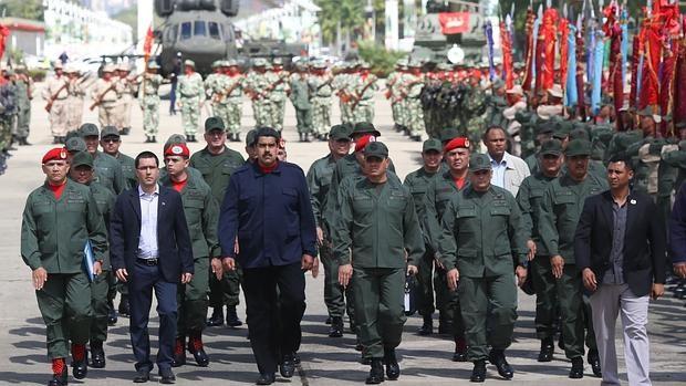 ¡Militares negocian puestos por lealtad! Madurismo desplazó a aliados de Chávez para blindarse en el poder