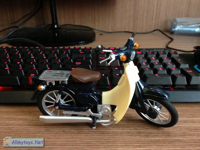 Honda Super Cub Model Toy Bike 5