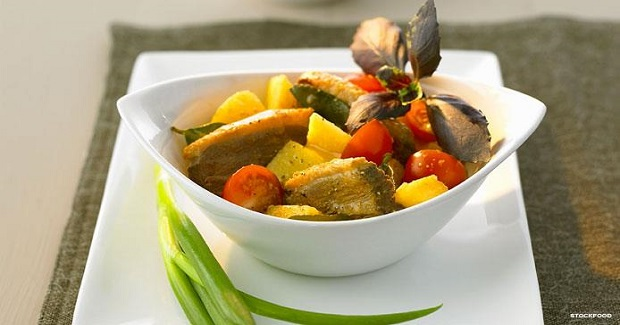 Red Duck Curry With Pineapple And Cherry Tomatoes Recipe