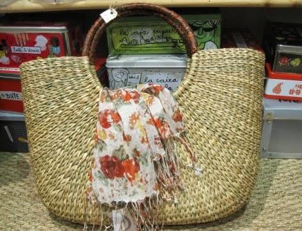 Bolso fibra natural y fular flores