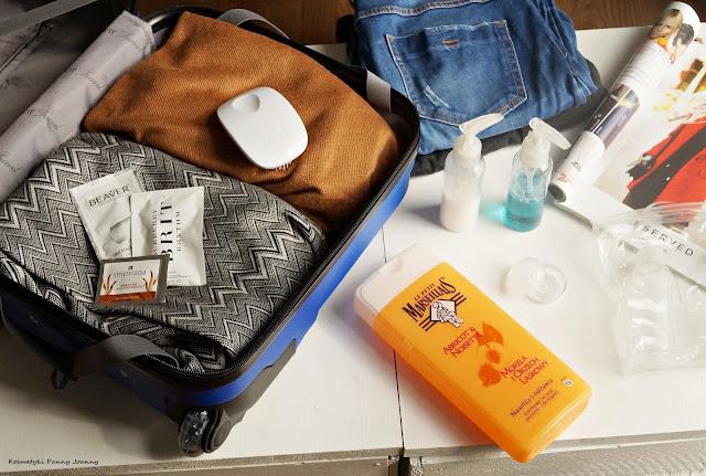 Lecę do Włoch! Jak spakować bagaż podręczny? Jak spakować kosmetyki do bagażu podręcznego?