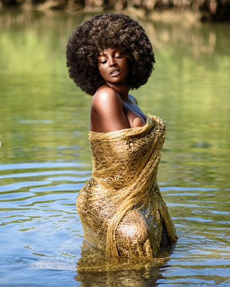 Amara-La-Negra-semi-nude-photo-04