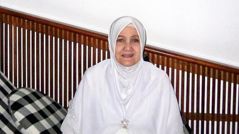 Ratu Farida Hanum, ibunda Ashanty
