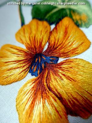 Detail of thread painted nasturtium. (Catherine Laurencon Capucines (Inspirations))