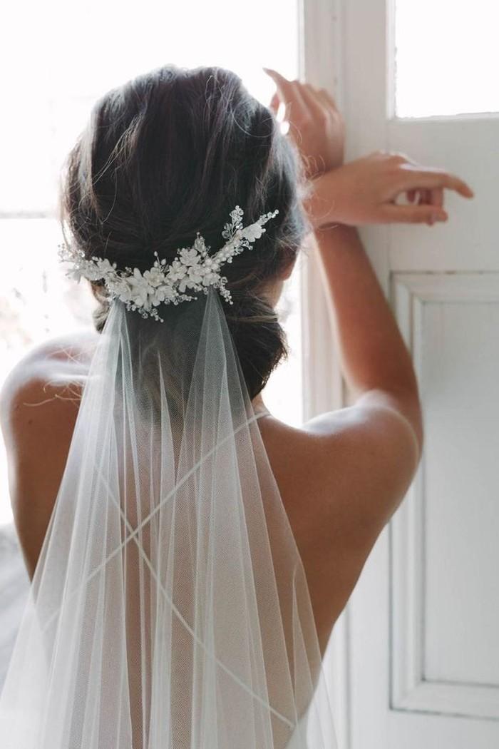 Brautfrisuren mit schleier | Frisuren Trend 32