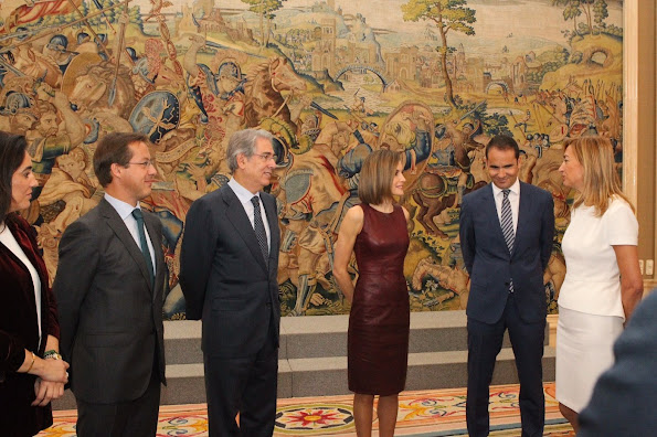 "Queen Letizia of Spain met with the organizers of ""10th Yo Dona International Awards""  at the Zarzuela Palace"