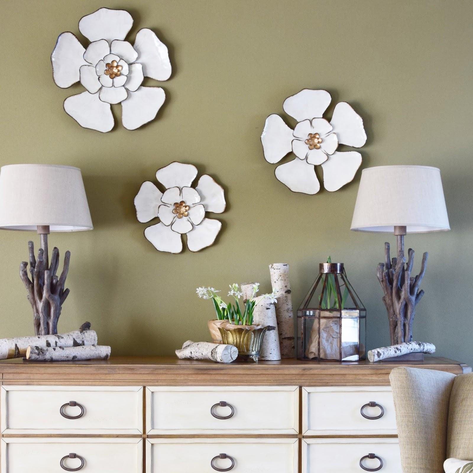 Frühlingsdeko Fürs Zuhause, Dekoidee Frühling: Blüten Aus Metall Für Die  Wand Und Frische Frühjahrbsblüher