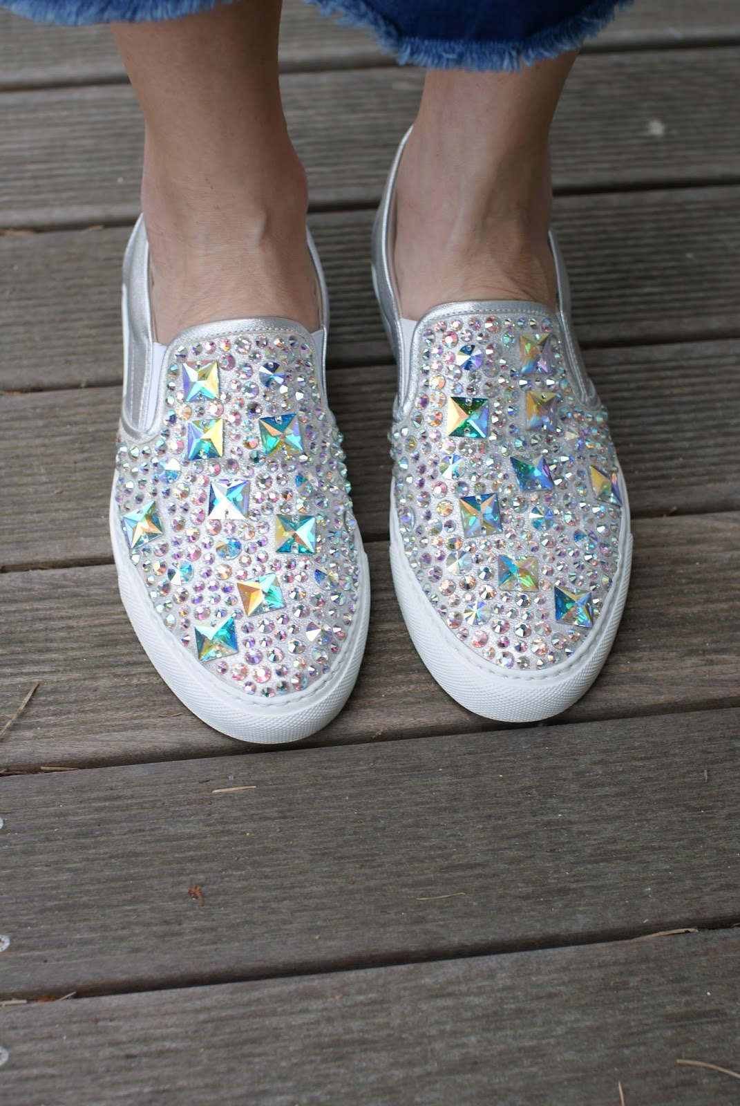Le Silla silver jeweled slip-ons on Fashion and Cookies fashion blog, fashion blogger style