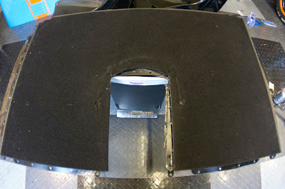 The carpeted rear bulkhead weighed in at 2.310kg