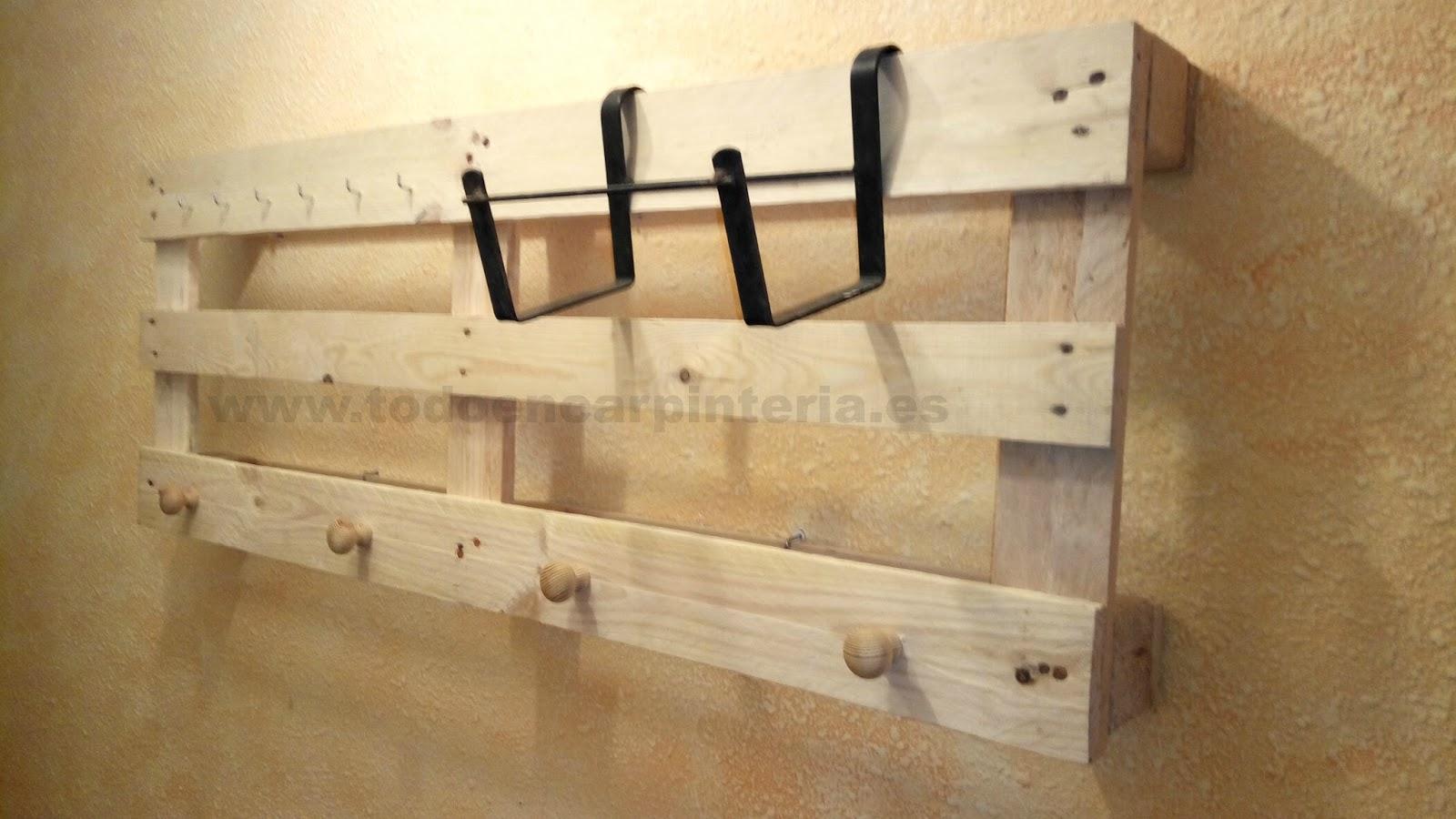 Hacer un perchero con palets de madera todo en - Construir con palets ...