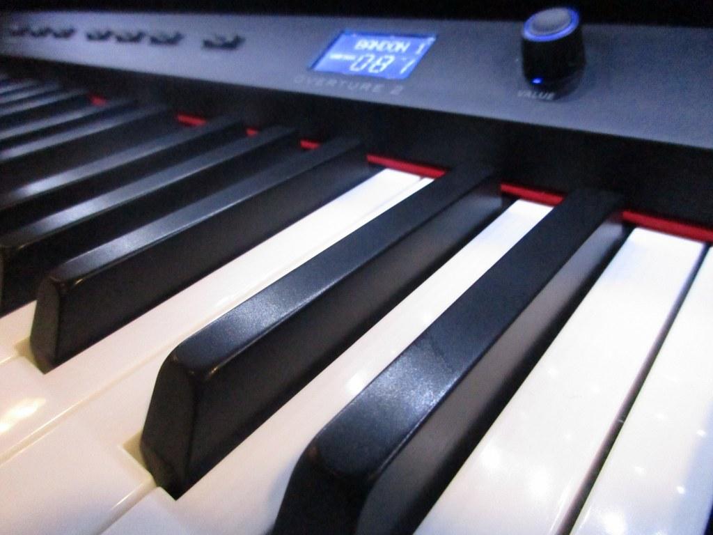 Az piano reviews review williams overture 2 vs rhapsody for Williams overture 2 vs yamaha