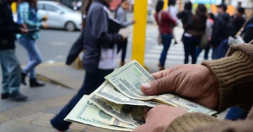 DÓLAR - TIPO DE CAMBIO: Moneda extranjera subió al cierre de la jornada por fortalecimiento global de la divisa