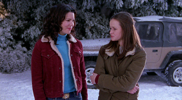 Gilmore Girls Lorelai and Rory wearing sherpa shearling collar jackets in season 2