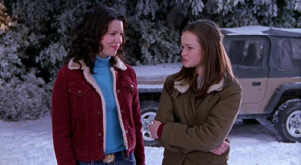 Gilmore Girls Lorelai and Rory wearing sherpa shearling collar jackets in season 2