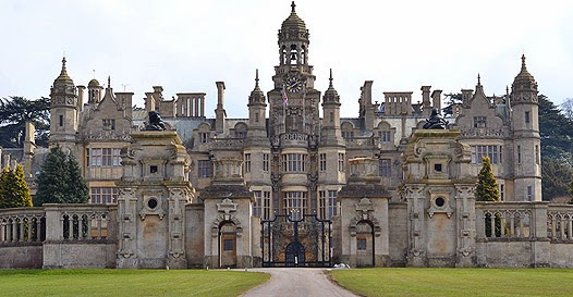 """Harlaxton Manor - locação do filme """"a casa amaldiçoada"""""""
