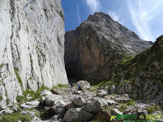Torre Blanca: Entrada en la Canal de la Jenduda