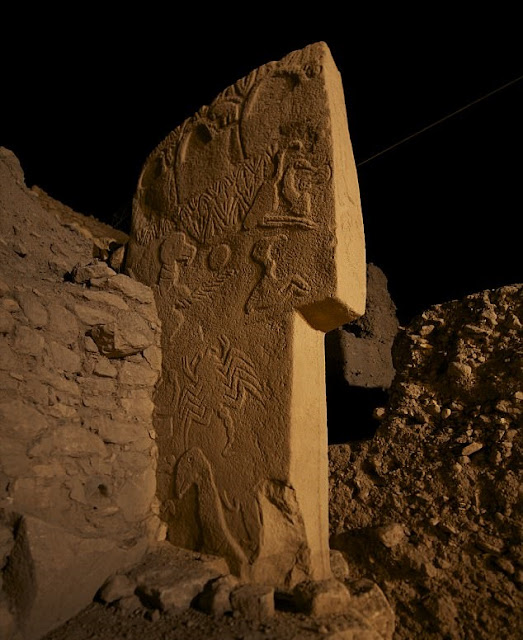 Carvings on stone pillars at Gȍbekli Tepe show comet hit Earth 13,000 years ago, says new study