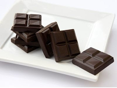 Sô cô la đen thực phẩm chứa nhiều chất dinh dưỡng gia tăng tinh trùng.