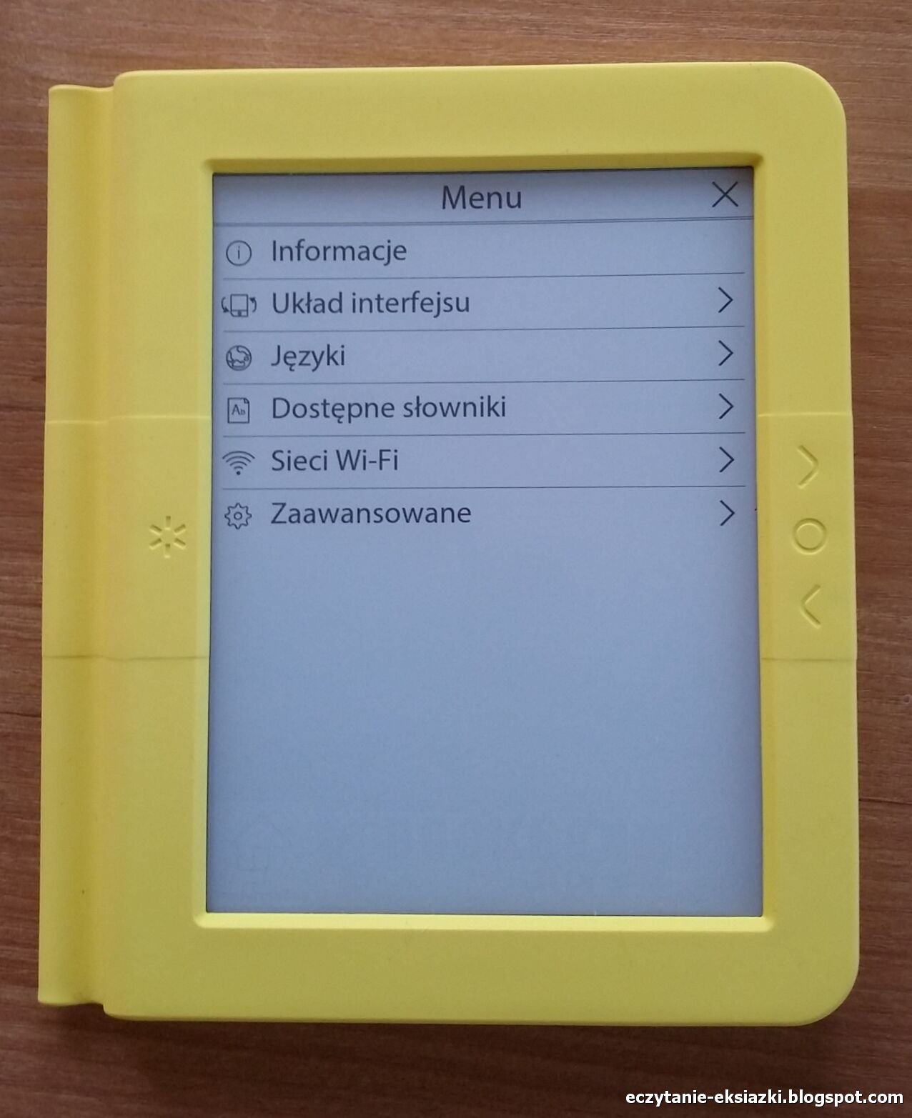 Kontekstowe menu wywołane z poziomu ekranu startowego w czytniku Bookeen Saga