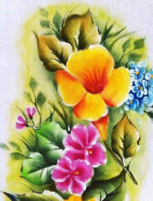 como pintar flor em tecido alamanda