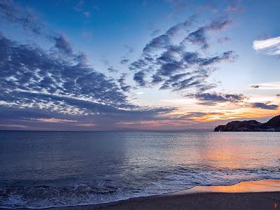 Sunset glow: Yuigahama-beach (Kamakura)