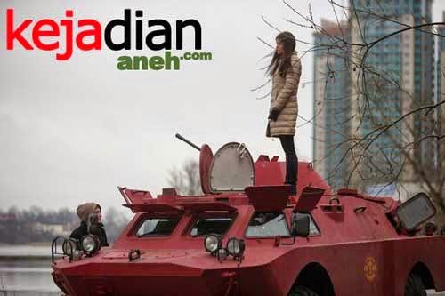Taksi Dari Mobil Tempur Lapis Baja di Rusia