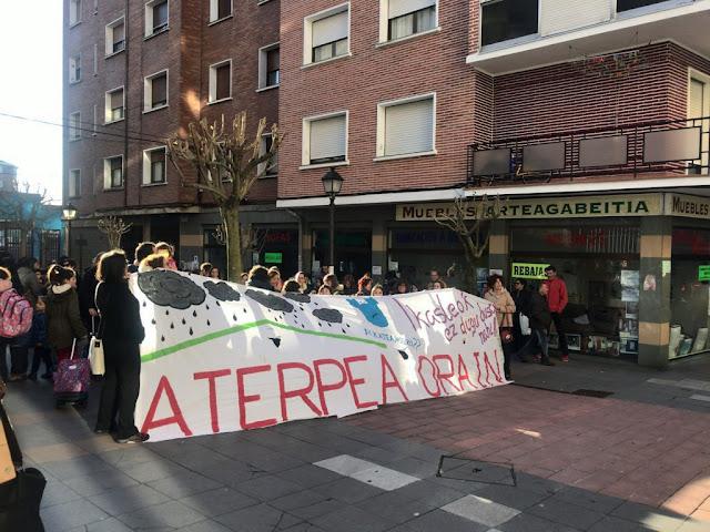 protesta familias del colegio Arteagabeitia