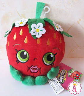 Плюшевая клубника Shopkins Strawberry Kiss plush toy