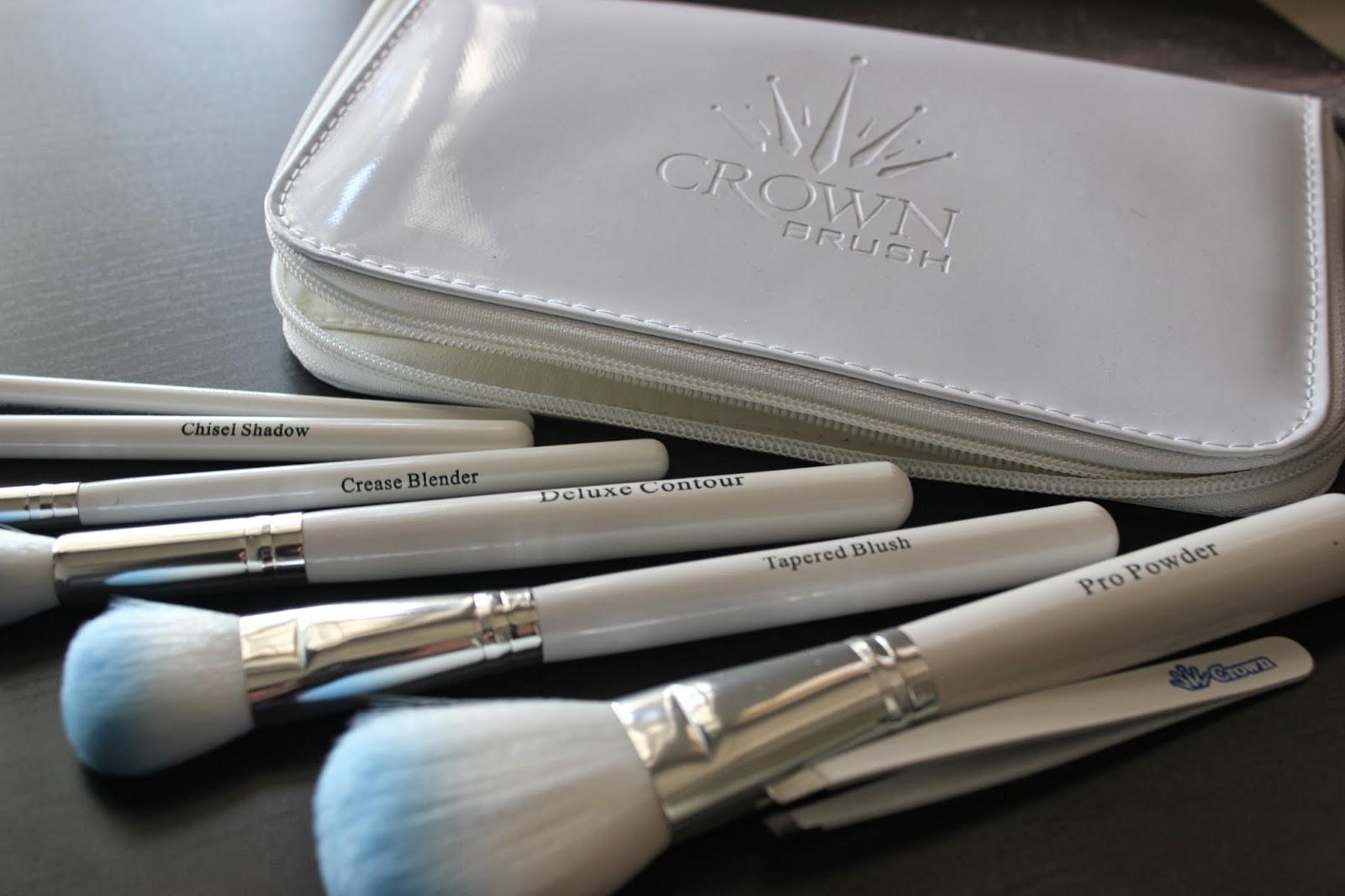 Brushes, Tweezers, Case
