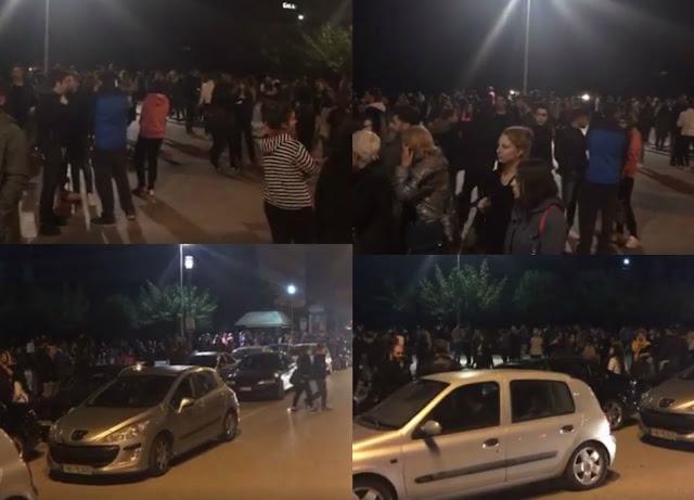 Σε δρόμους, πάρκα και πλατείες ξενυχτάνε οι κάτοικοι των Ιωαννίνων (+ΦΩΤΟ)