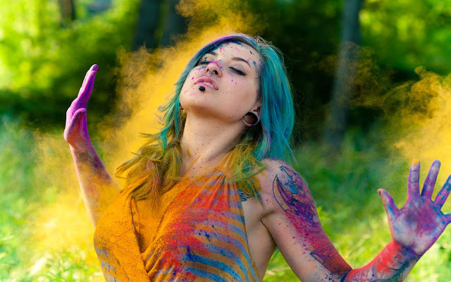 Happy Holi Quotes in English  for Facebook