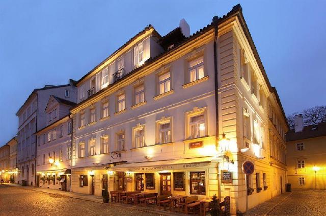 Hotel U Zlatych nuzek em Praga