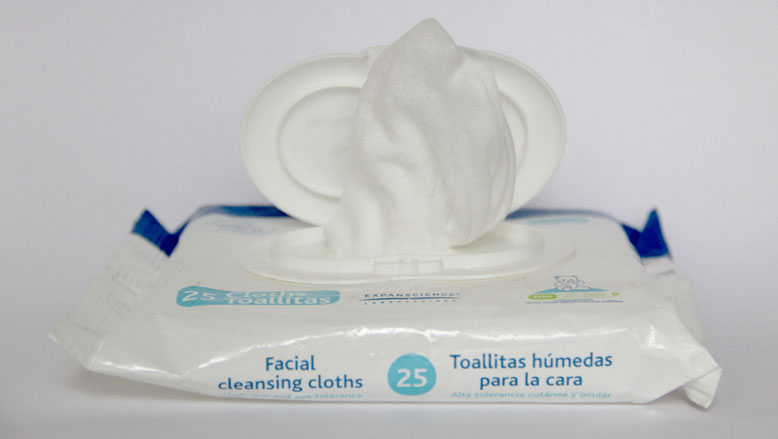 Facial Cleansing Cloths By Mustela Layered Cake