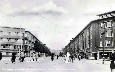 Vondelstraat - looking east from the intersection with Elandstraat. There is no date on the postcard but a comment on the site noted the the flats on the left were constructed in 1940/41. (from www.htmfoto.net site - but currently a broken link. A note on the main site states that the site is no longer being maintained.) (postcard from the collection of Gerard van der Swaluwe)