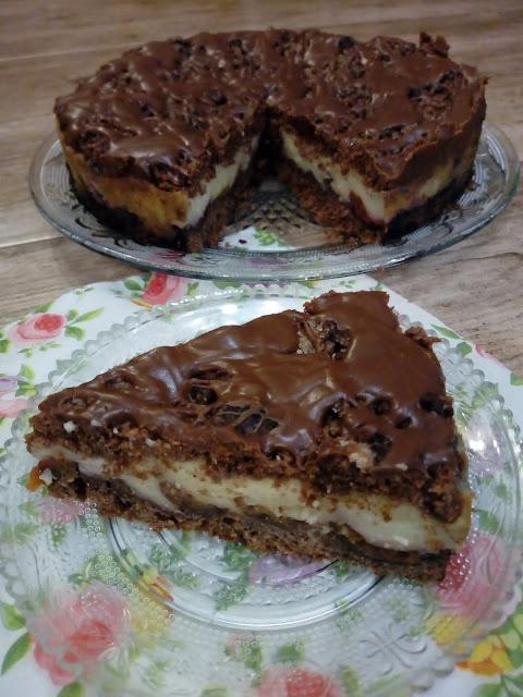 ciasto orzechowe z budyniem i owocam ciasto kruche z orzechami ciasto ze sliwkami ciasto z czeresniami ciasto kakaowo orzechowe ciasto czekoladowo orzechowe