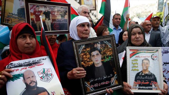 Israel 'roba' fondos a familias de víctimas y presos palestinos